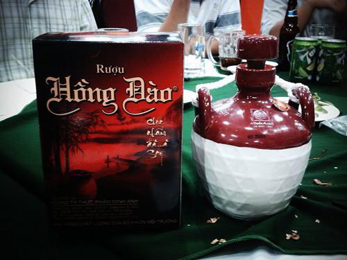 Đặc Sản Quảng Nam làm quà - Rượu hồng đào
