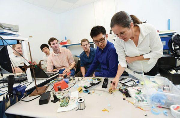 Ngành Kỹ thuật cơ điện tử là gì? Ngành Kỹ thuật cơ điện tử làm gì?