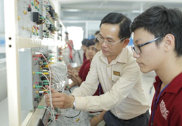 Những trường đại học nào đang đào tạo ngành Điện tử viễn thông?