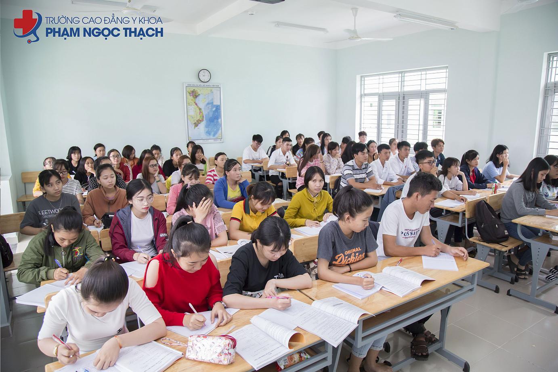 Học phí Cao đẳng Phạm Ngọc Thạch TPHCM